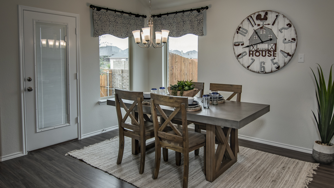 Garden Valley Model Breakfast Nook