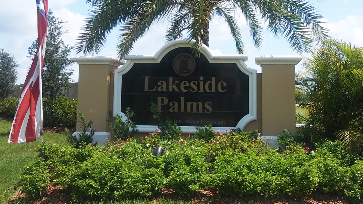Lakeside Palms