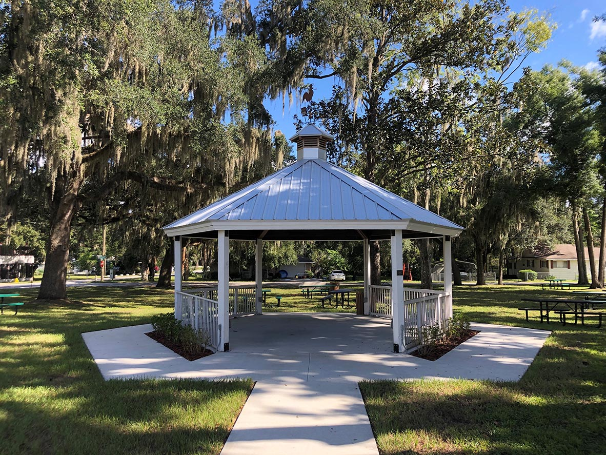 Gazebo in Groveland, FL